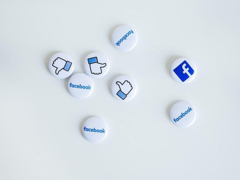 social media marketing badges